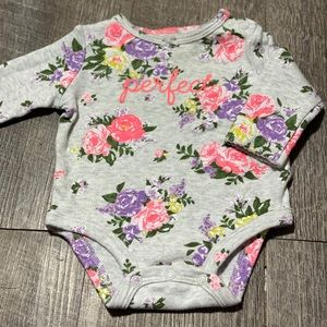 Carter's baby girl outfit size 3m